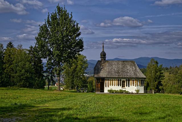 Kapelle mit Totenbrettern