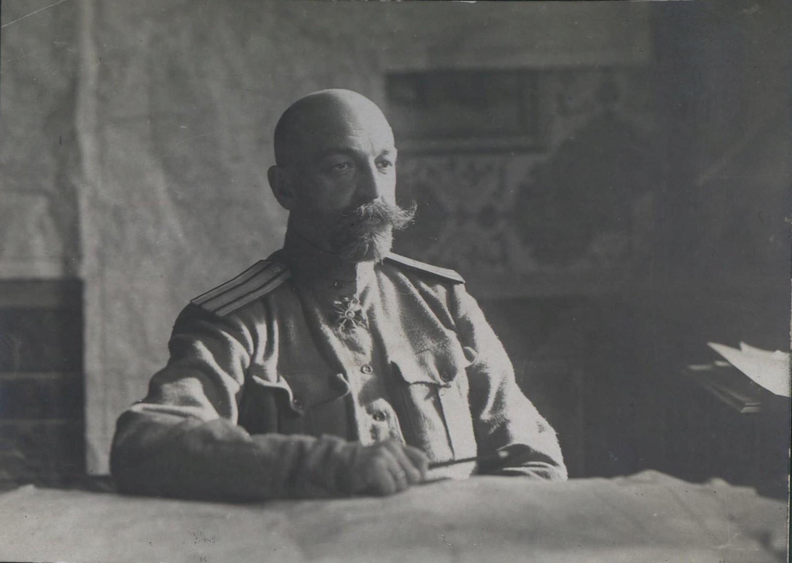 20.  Генерал-майор А.Н.Карабанов (предположительно)