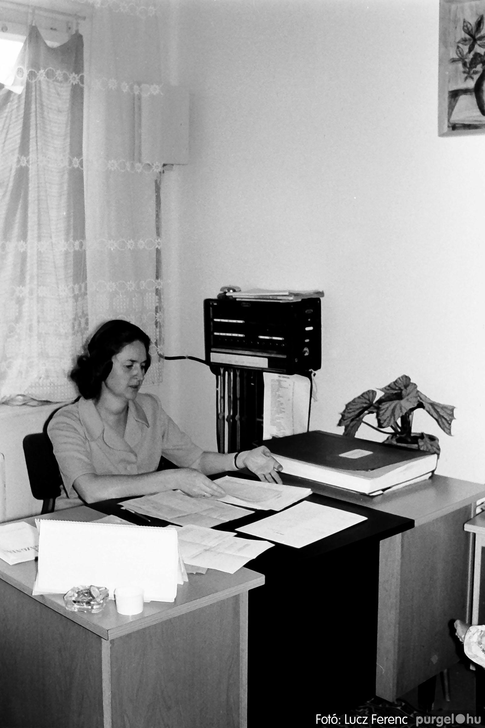022 1975. Ünnepi ülés a tanácsházán 013 - Fotó: Lucz Ferenc .jpg