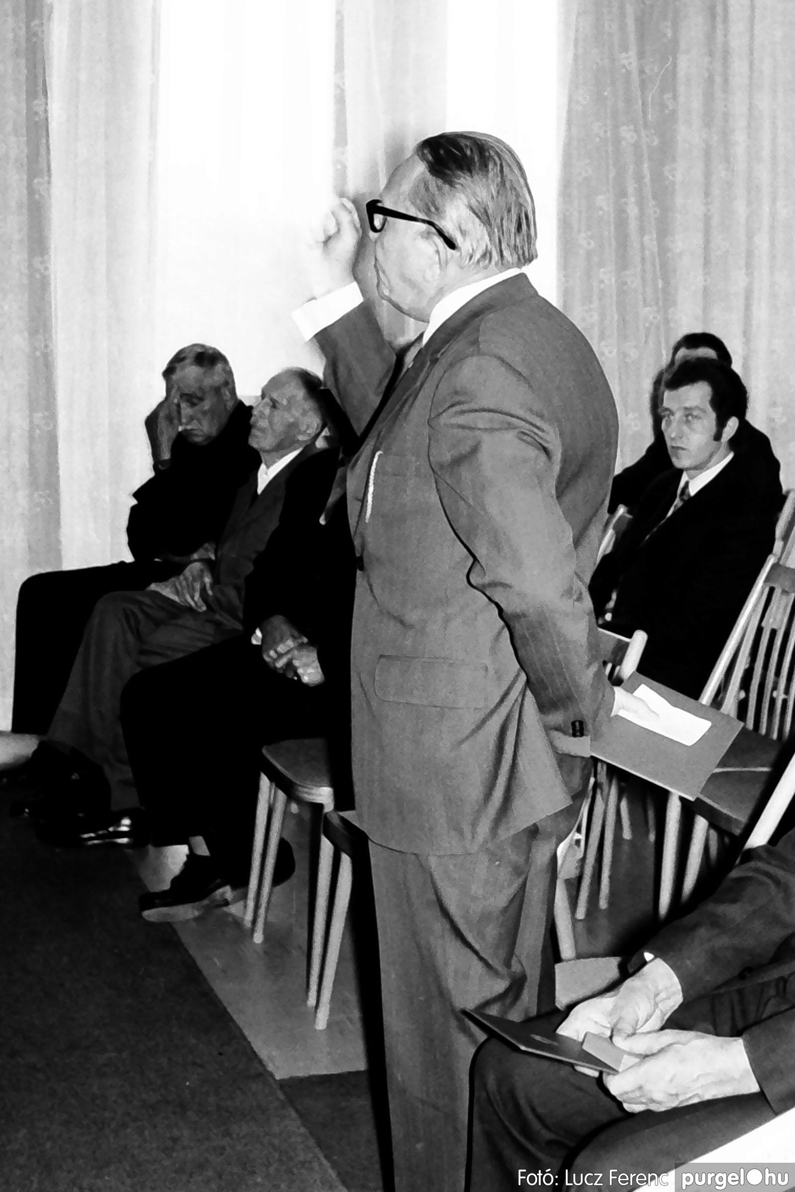 022 1975. Ünnepi ülés a tanácsházán 009 - Fotó: Lucz Ferenc .jpg