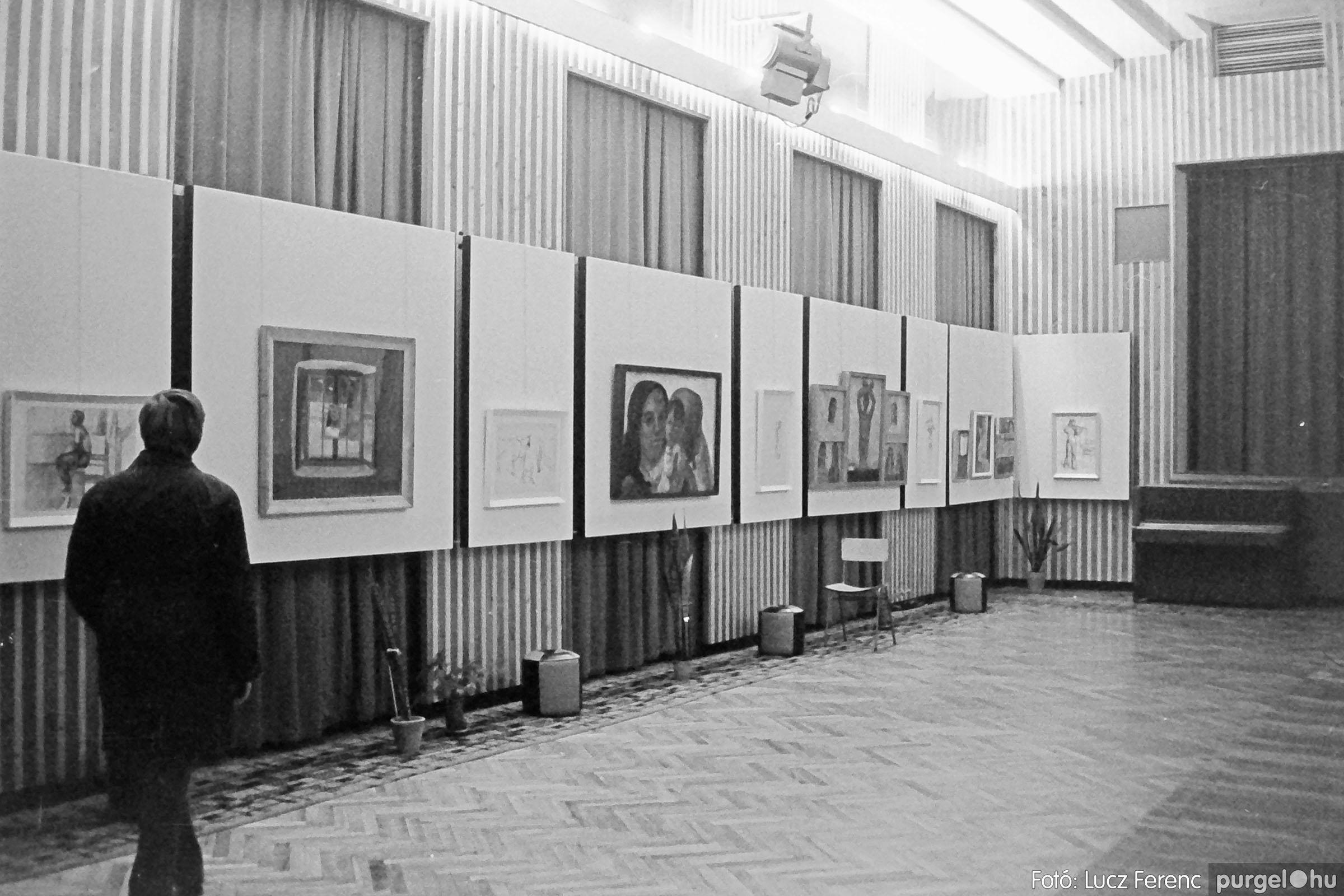 024 1975.10. Németh József és Szalay Ferenc festőművészek kiállítása 011 - Fotó: Lucz Ferenc IMG00211q.jpg