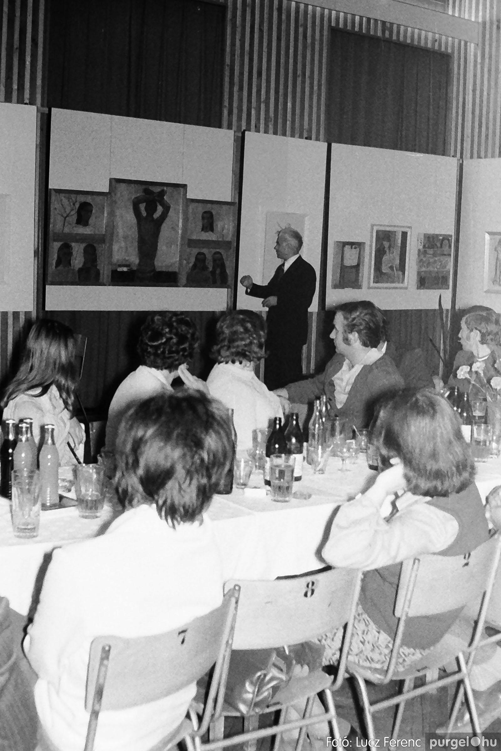 024 1975.10. Németh József és Szalay Ferenc festőművészek kiállítása 008 - Fotó: Lucz Ferenc IMG00208q.jpg