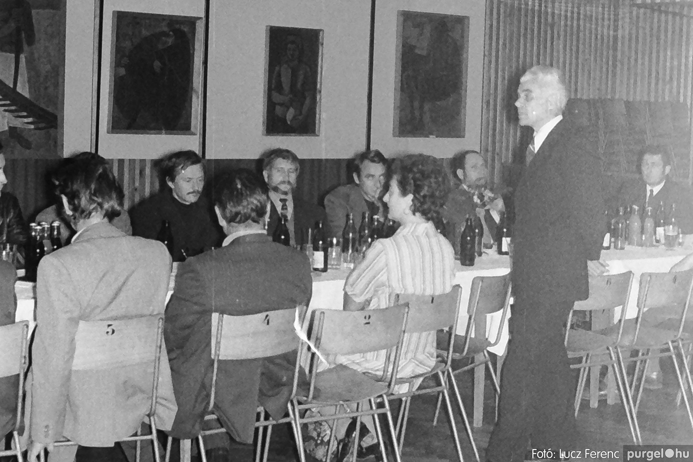 024 1975.10. Németh József és Szalay Ferenc festőművészek kiállítása 004 - Fotó: Lucz Ferenc IMG00202q.jpg