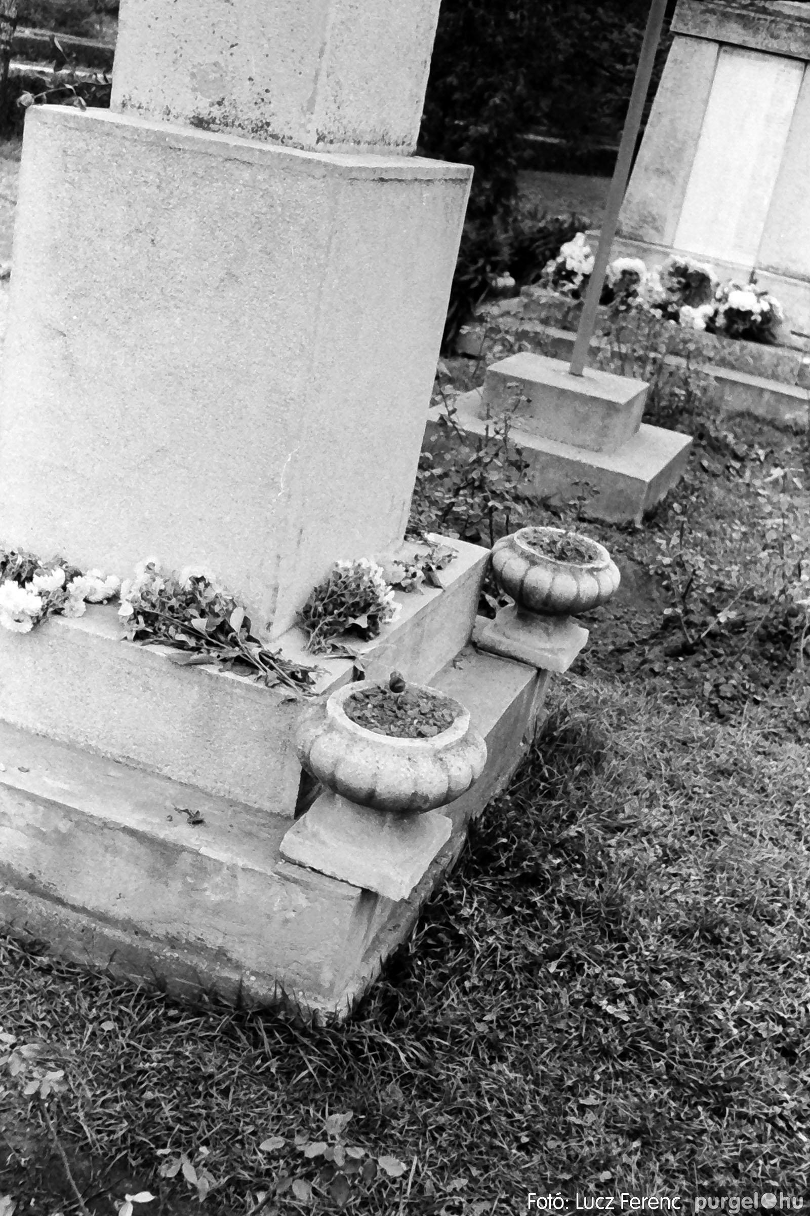 025 1975.10. Szovjet katonai emlékmű 002 - Fotó: Lucz Ferenc IMG00230q.jpg