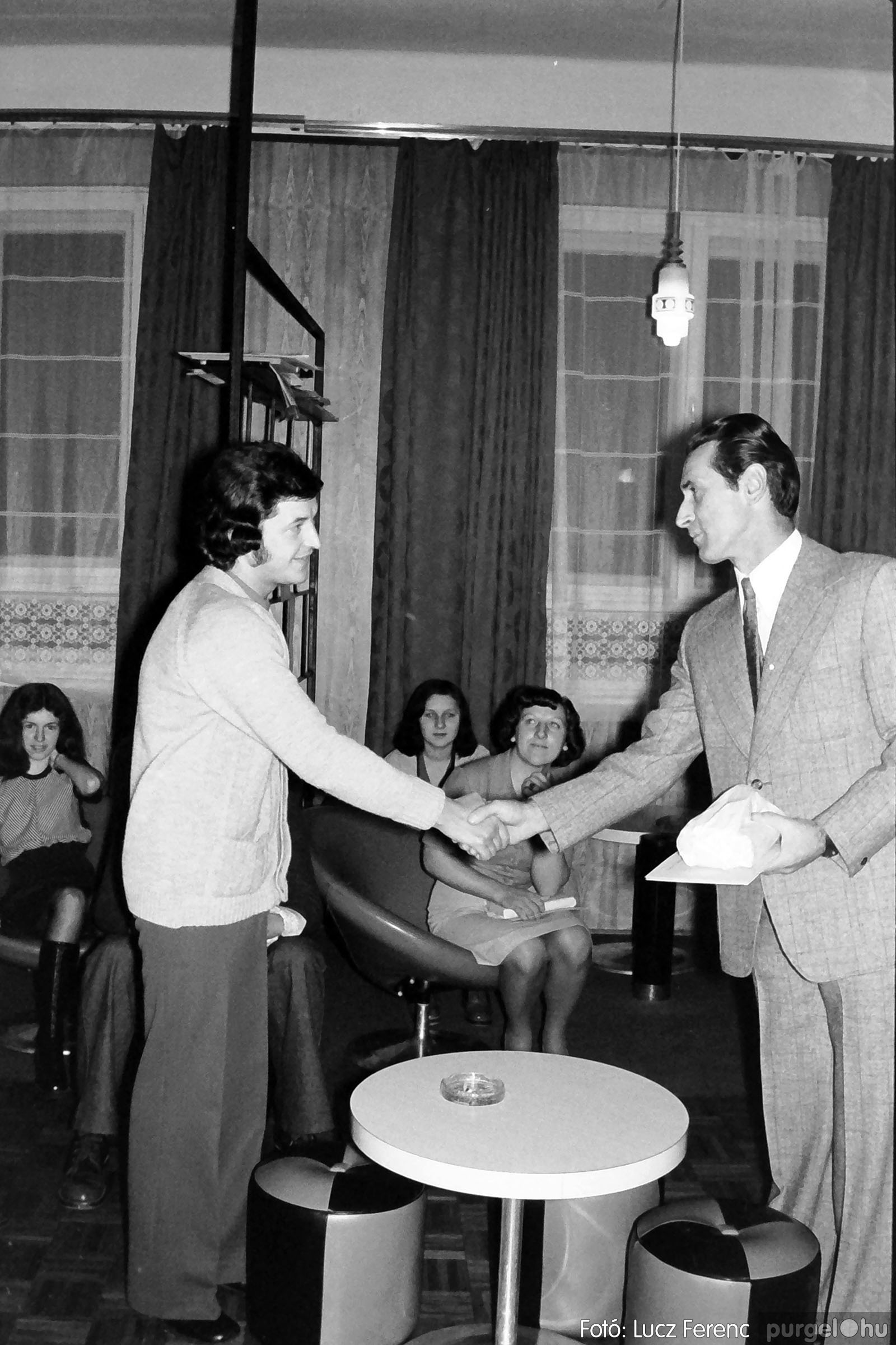 1975.11.07. 013 26. negatív - November 7-i ünnepség - Fotó: Lucz Ferenc - IMG00014q.jpg