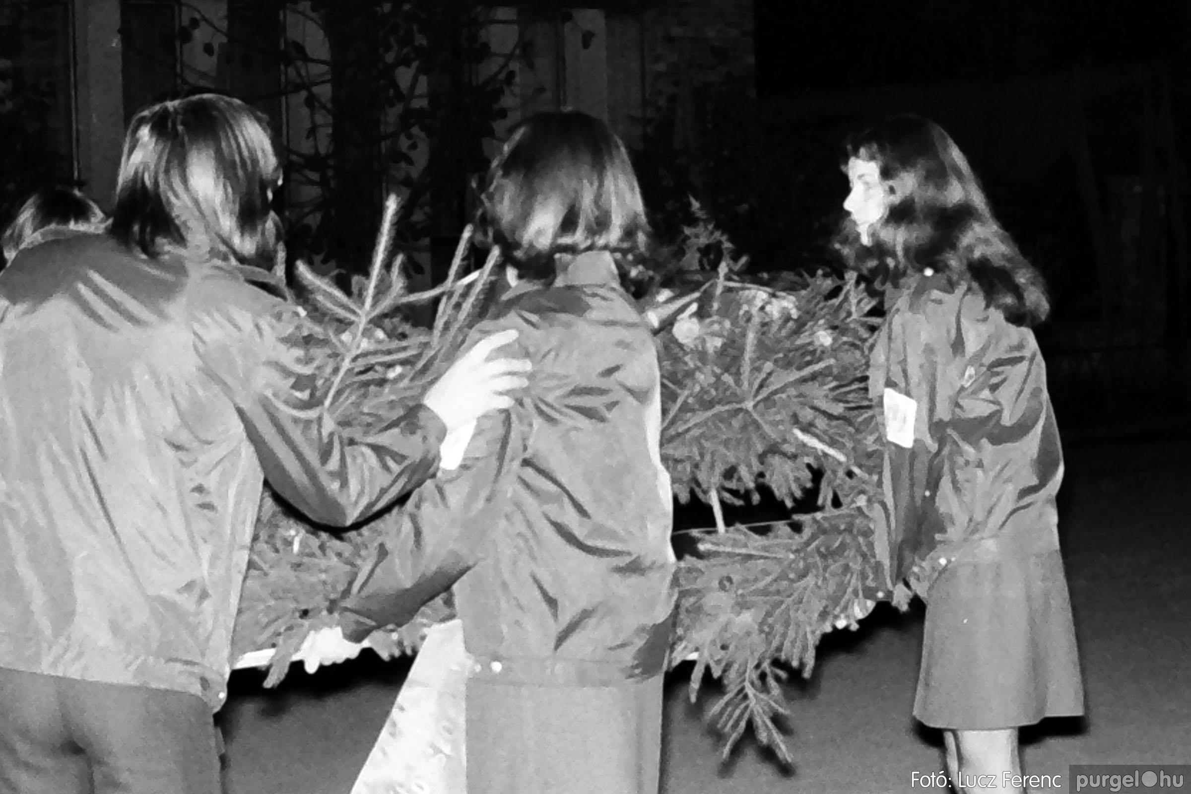 1975.11.07. 001 26. negatív - November 7-i ünnepség - Fotó: Lucz Ferenc - IMG00002q.jpg