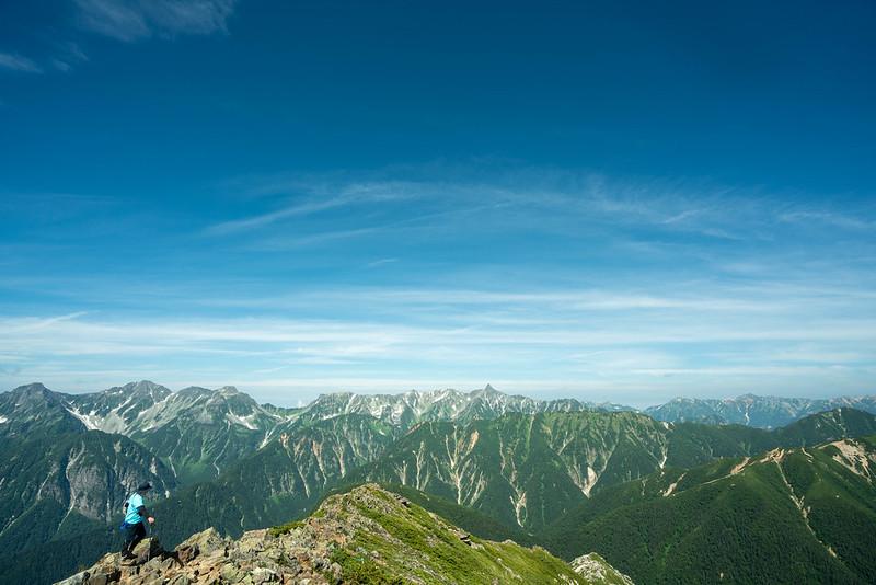 常念岳の山頂から