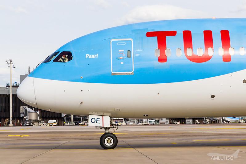 TUI fly Belgium - B788 - OO-LOE (8)
