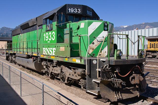 BNSF 1933 Colorado Springs 25 May 10