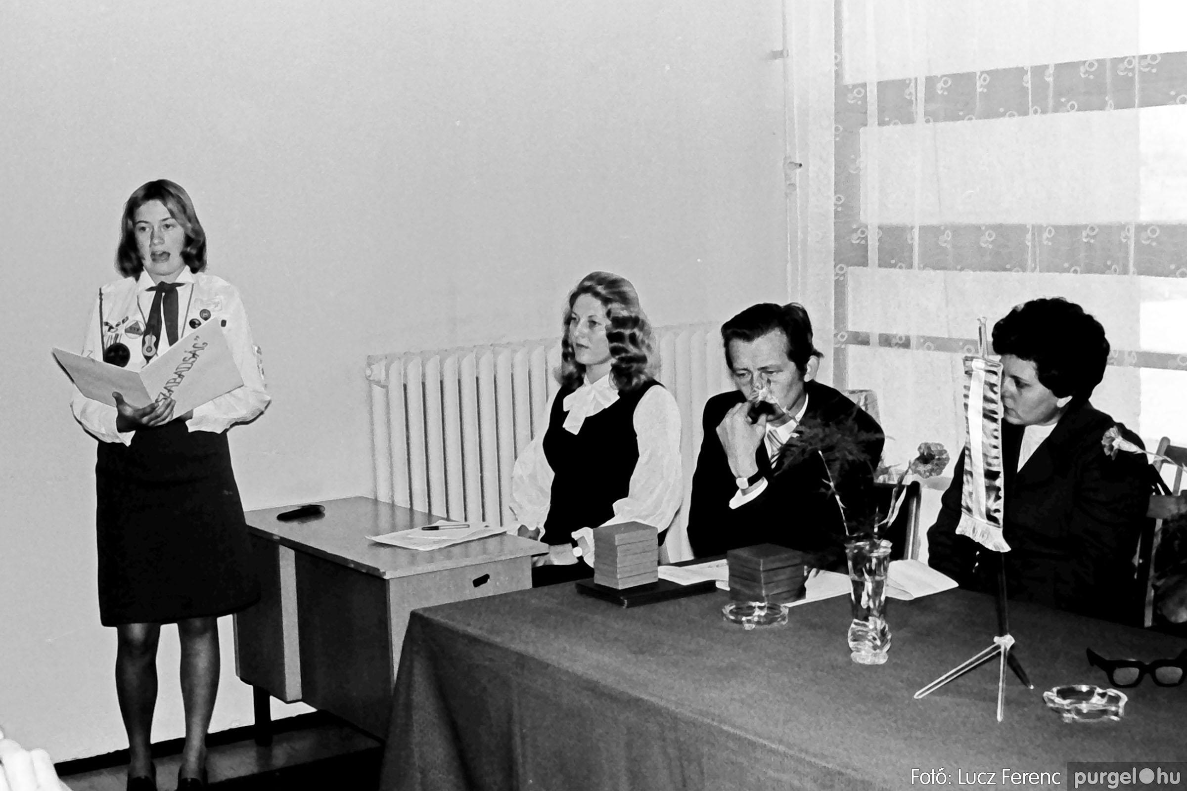 022 1975. Ünnepi ülés a tanácsházán 001 - Fotó: Lucz Ferenc .jpg