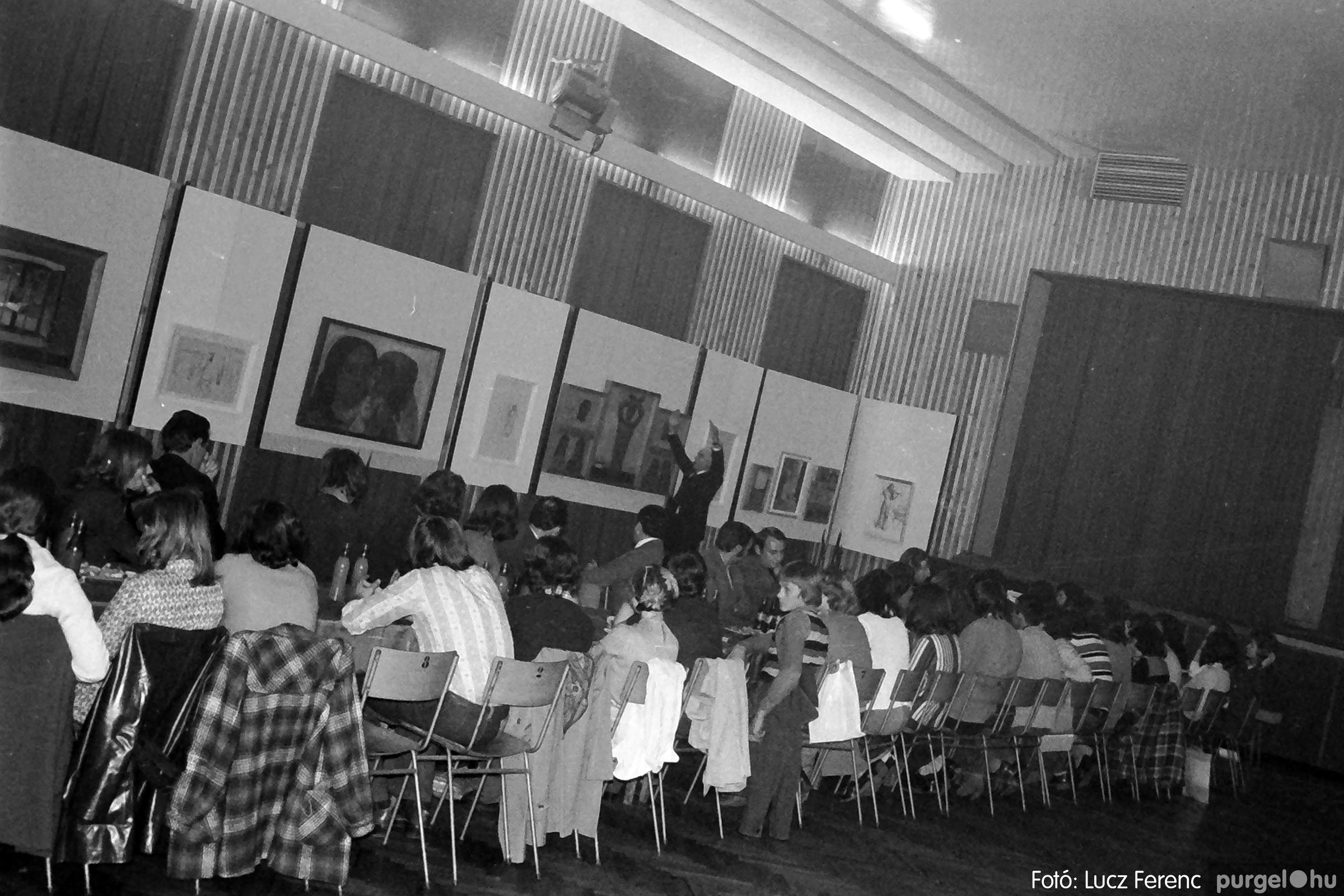 024 1975.10. Németh József és Szalay Ferenc festőművészek kiállítása 022 - Fotó: Lucz Ferenc IMG00223q.jpg