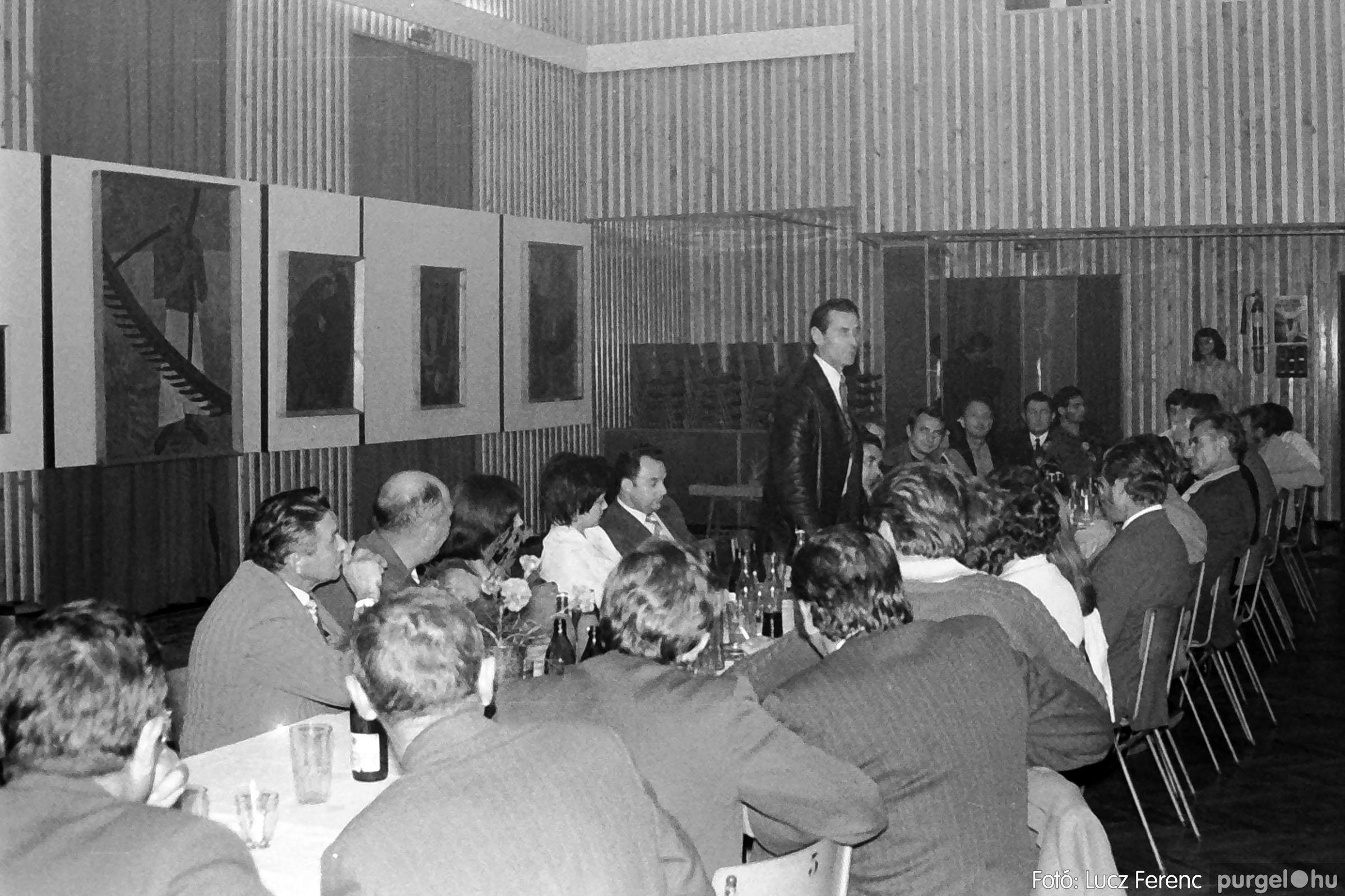 024 1975.10. Németh József és Szalay Ferenc festőművészek kiállítása 009 - Fotó: Lucz Ferenc IMG00209q.jpg