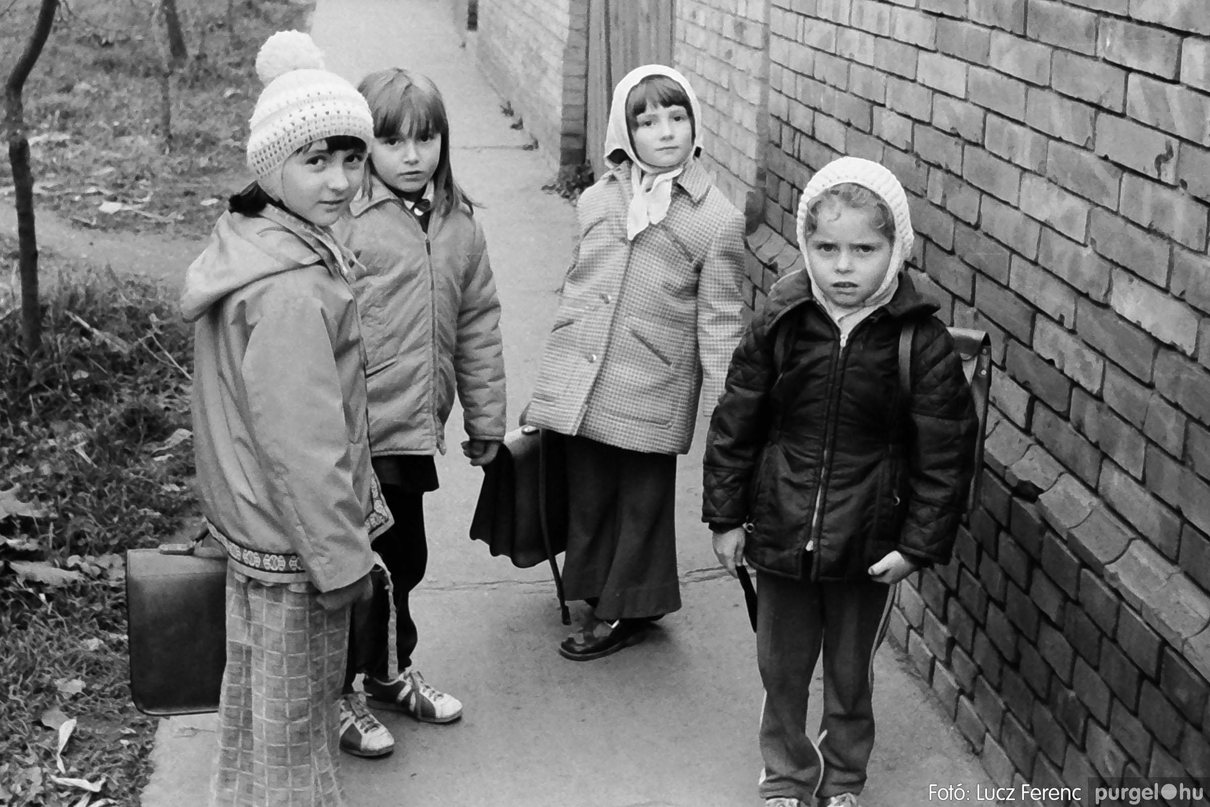 025 1975.10. Szovjet katonai emlékmű 009 - Fotó: Lucz Ferenc IMG00238q.jpg