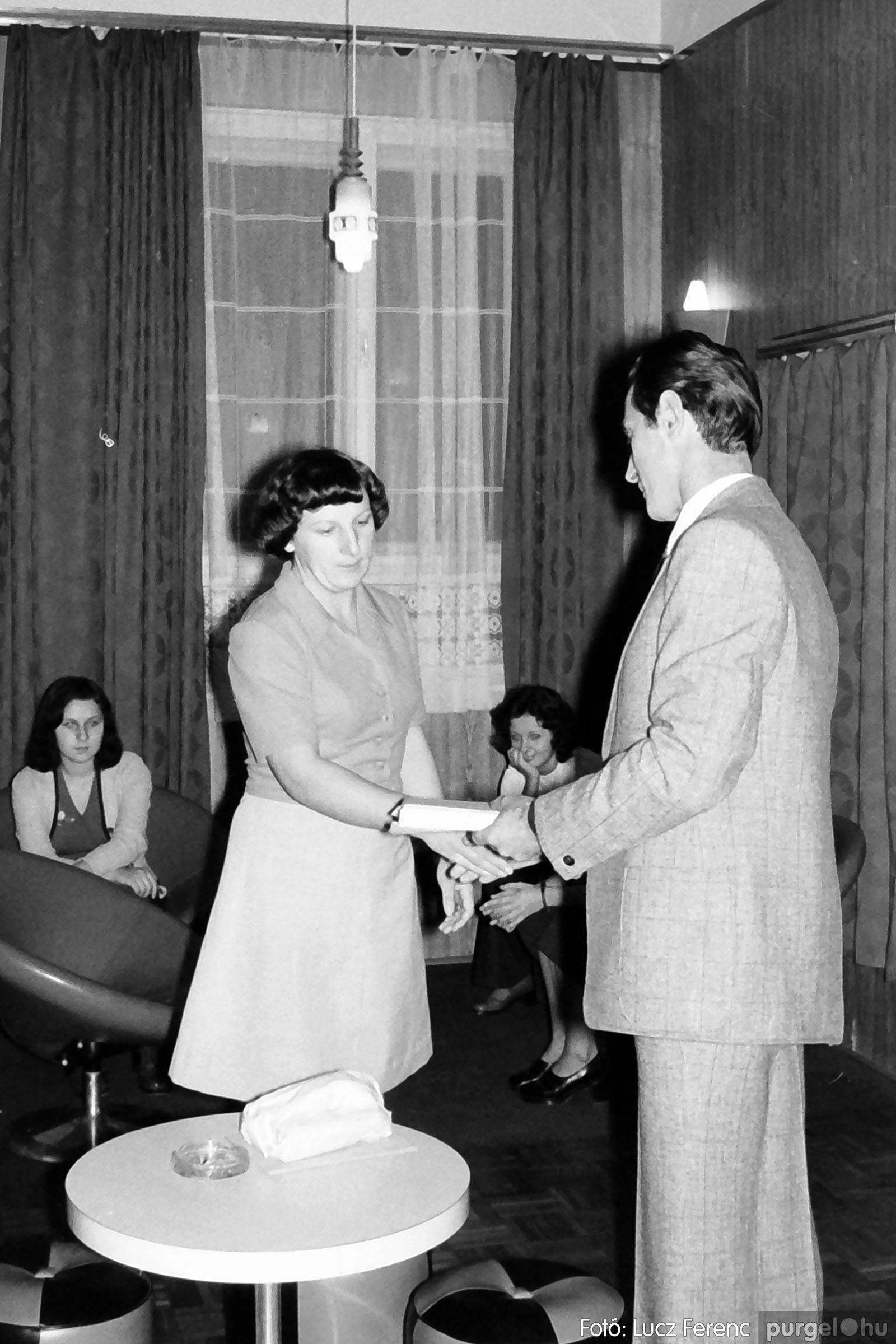 1975.11.07. 012 26. negatív - November 7-i ünnepség - Fotó: Lucz Ferenc - IMG00013q.jpg