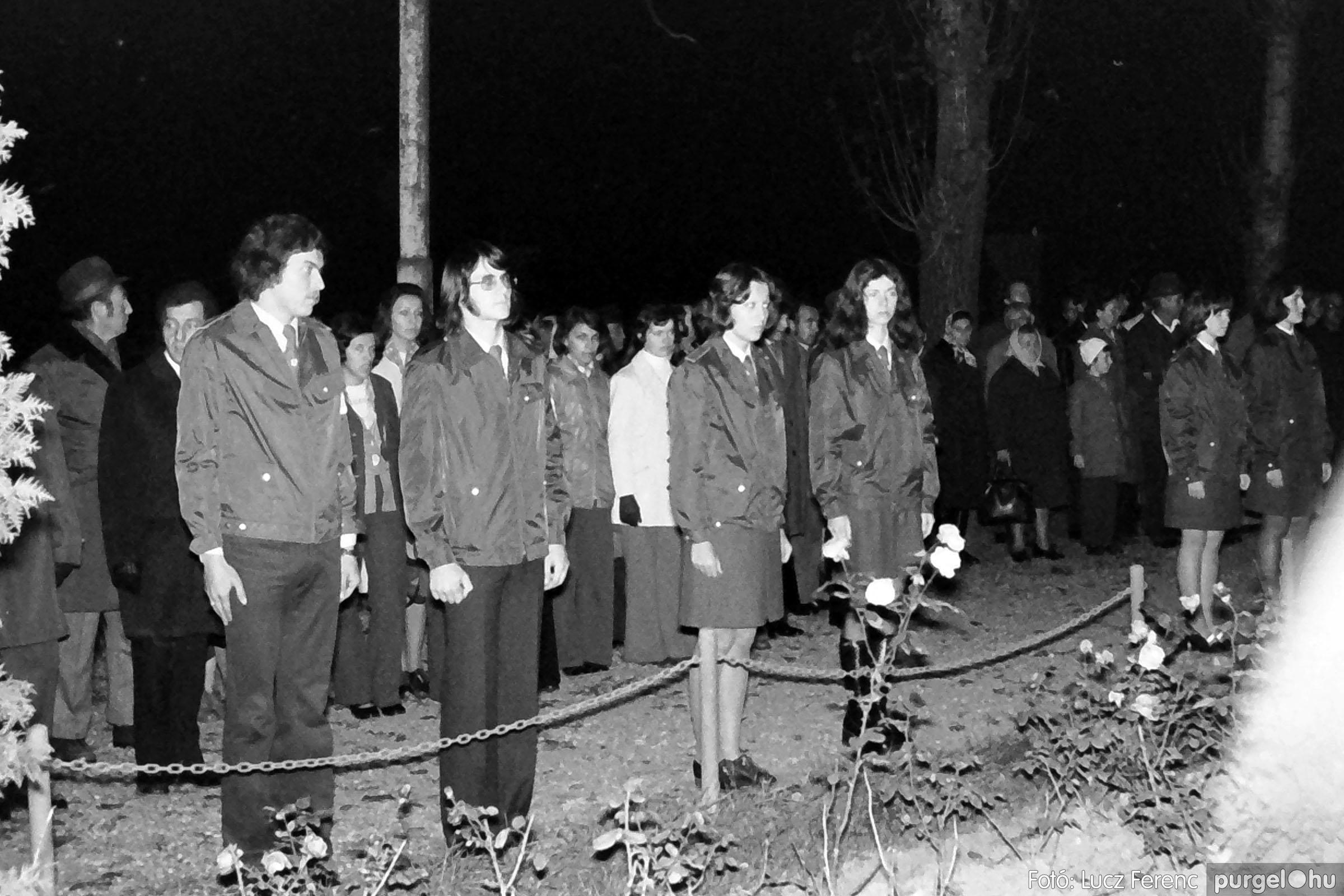 1975.11.07. 011 26. negatív - November 7-i ünnepség - Fotó: Lucz Ferenc - IMG00012q.jpg