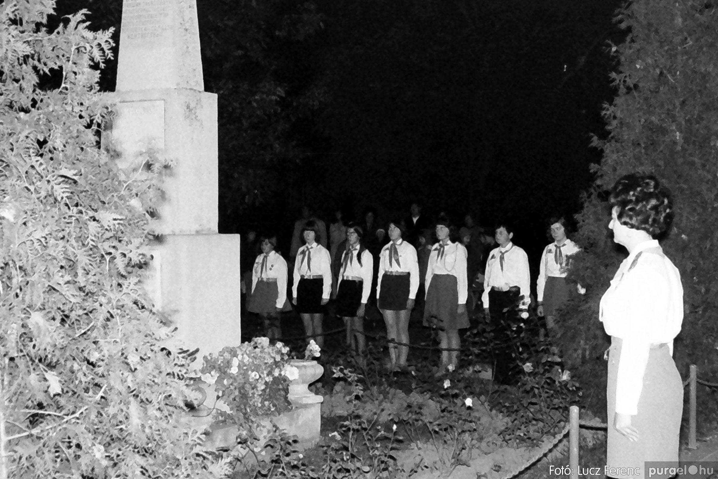 1975.11.07. 010 26. negatív - November 7-i ünnepség - Fotó: Lucz Ferenc - IMG00011q.jpg