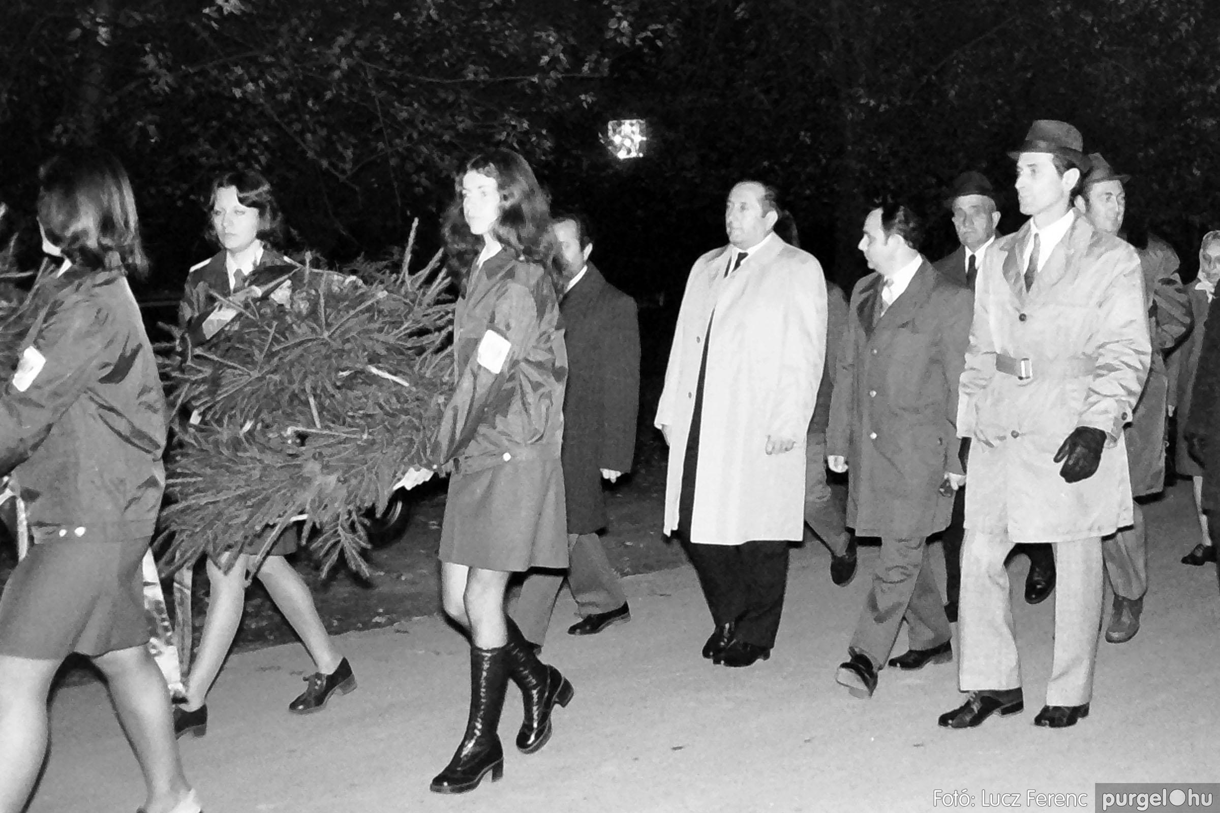 1975.11.07. 003 26. negatív - November 7-i ünnepség - Fotó: Lucz Ferenc - IMG00004q.jpg
