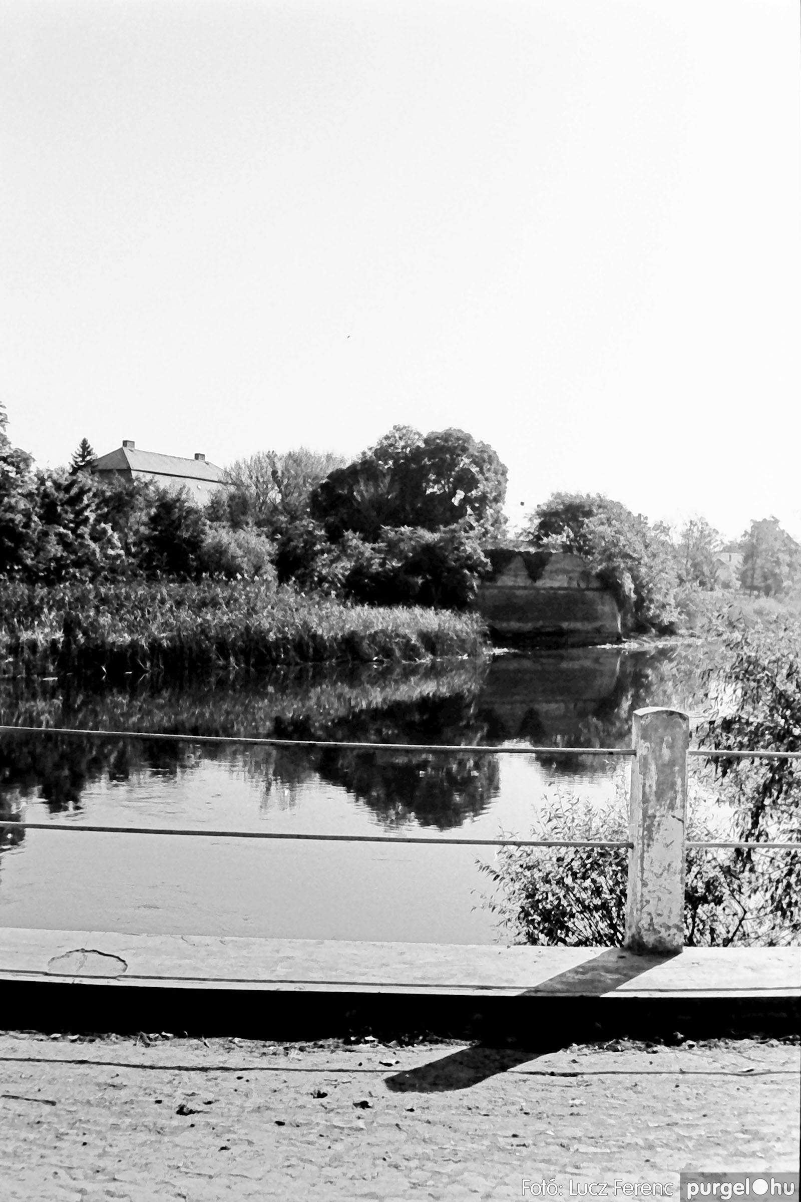 022 1975. Kurca, faluközpont, sportpálya 002 - Fotó: Lucz Ferenc .jpg