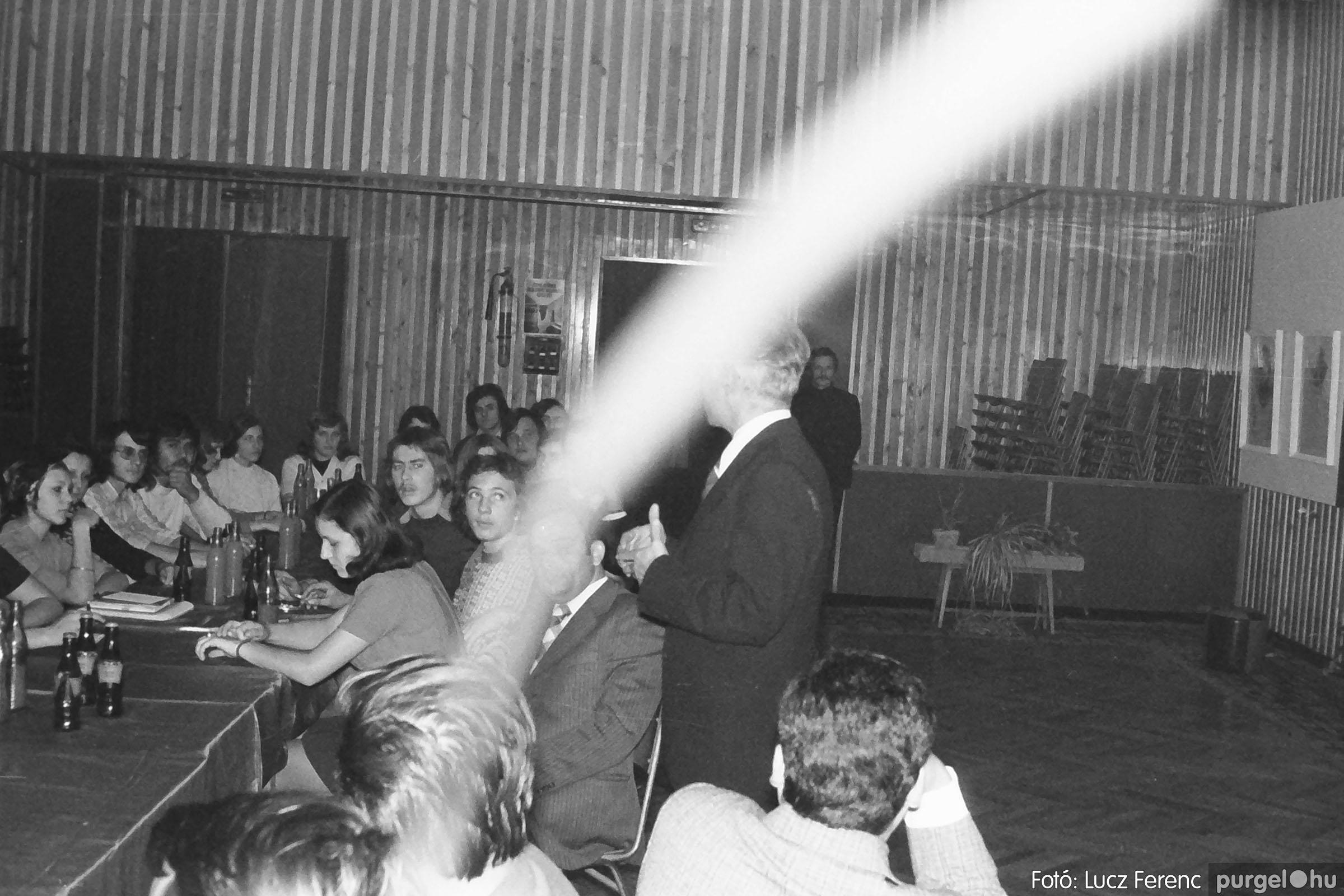 024 1975.10. Németh József és Szalay Ferenc festőművészek kiállítása 024 - Fotó: Lucz Ferenc IMG00225q.jpg