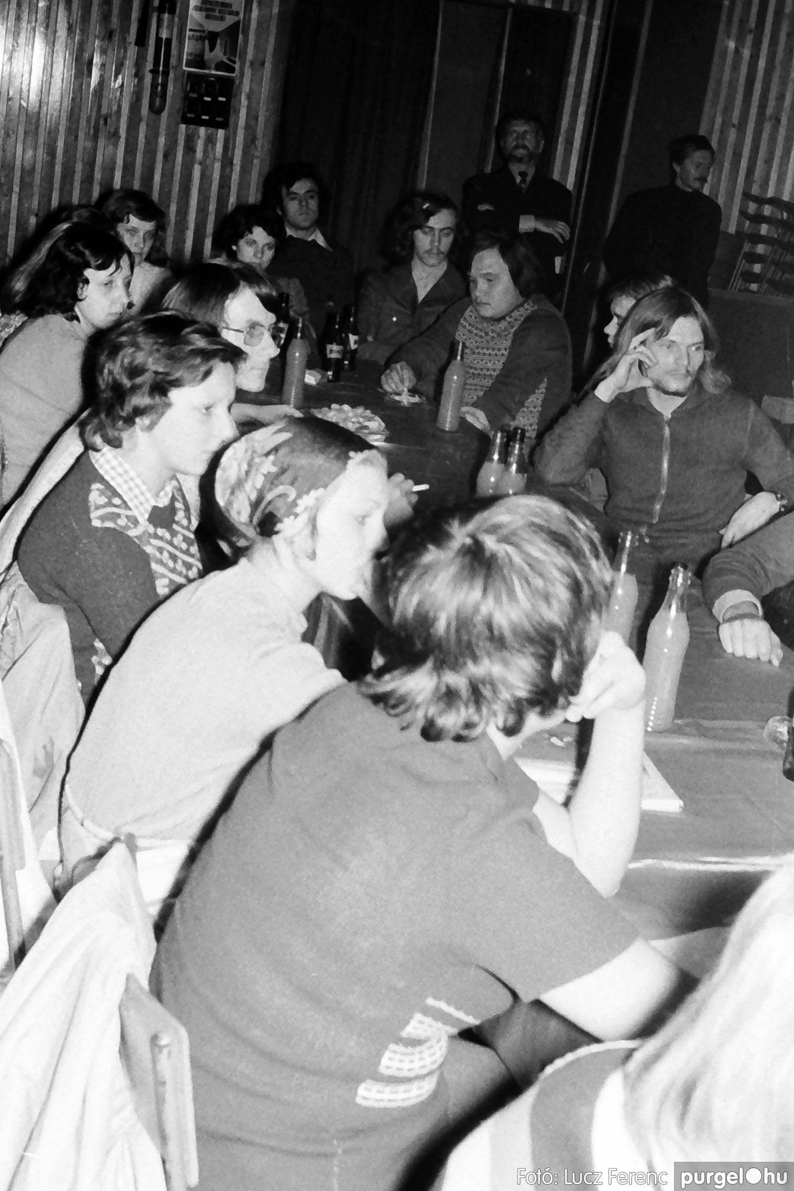 024 1975.10. Németh József és Szalay Ferenc festőművészek kiállítása 023 - Fotó: Lucz Ferenc IMG00224q.jpg