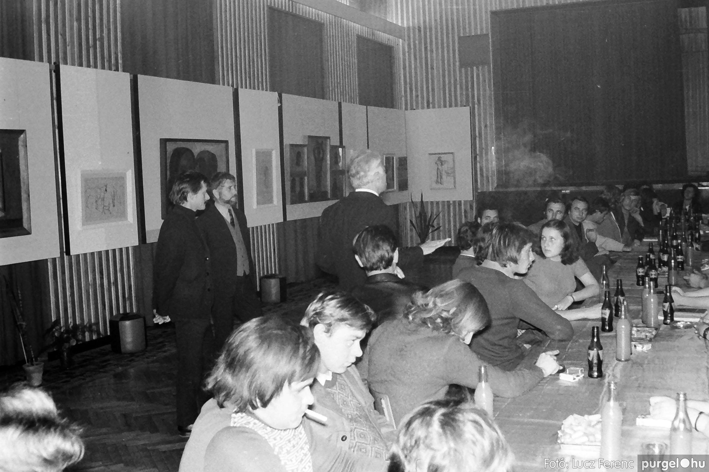 024 1975.10. Németh József és Szalay Ferenc festőművészek kiállítása 019 - Fotó: Lucz Ferenc IMG00220q.jpg