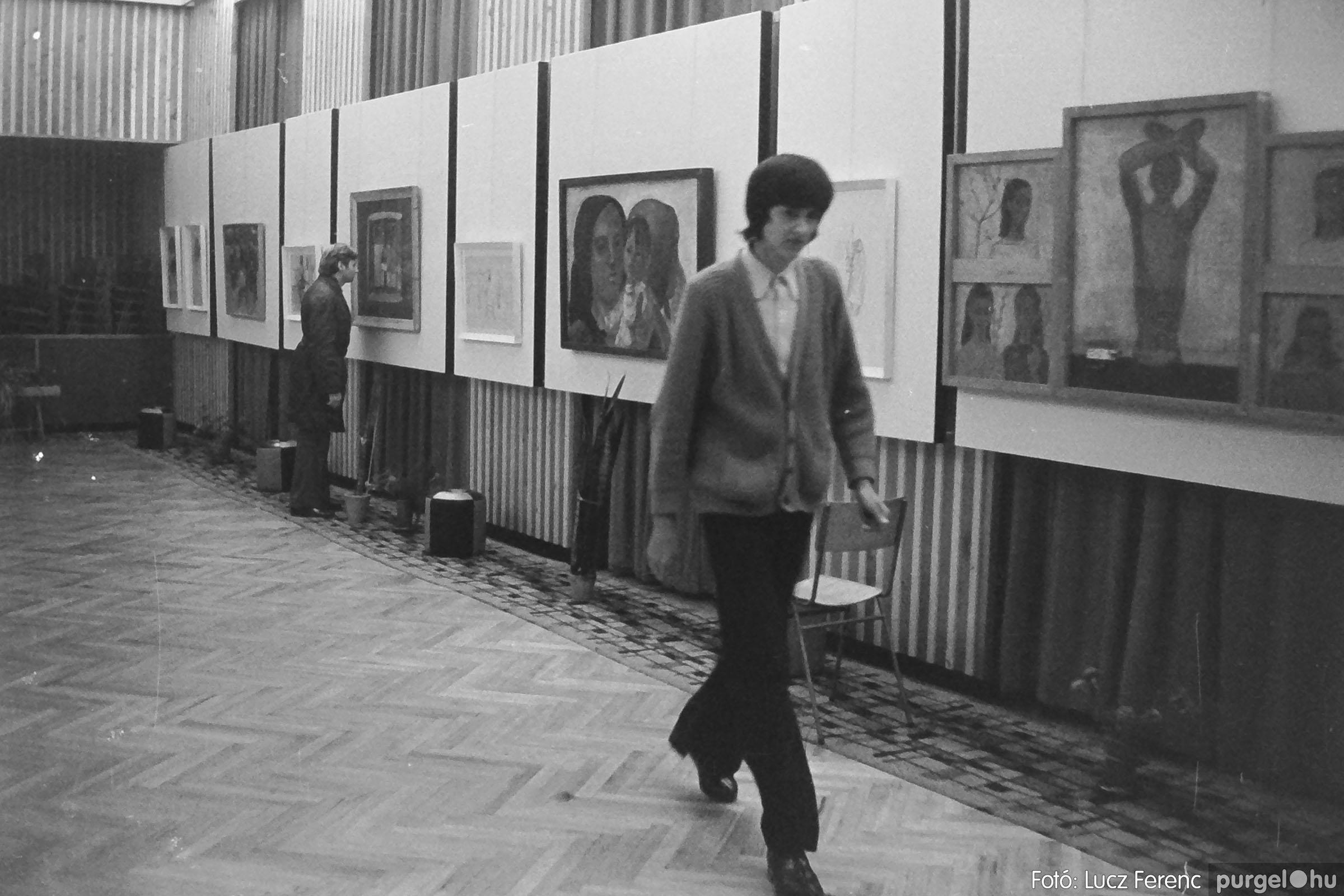 024 1975.10. Németh József és Szalay Ferenc festőművészek kiállítása 013 - Fotó: Lucz Ferenc IMG00213q.jpg