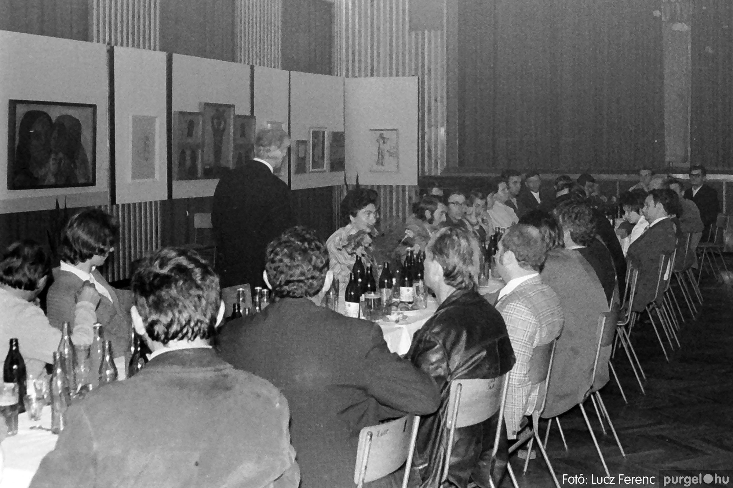 024 1975.10. Németh József és Szalay Ferenc festőművészek kiállítása 006 - Fotó: Lucz Ferenc IMG00206q.jpg