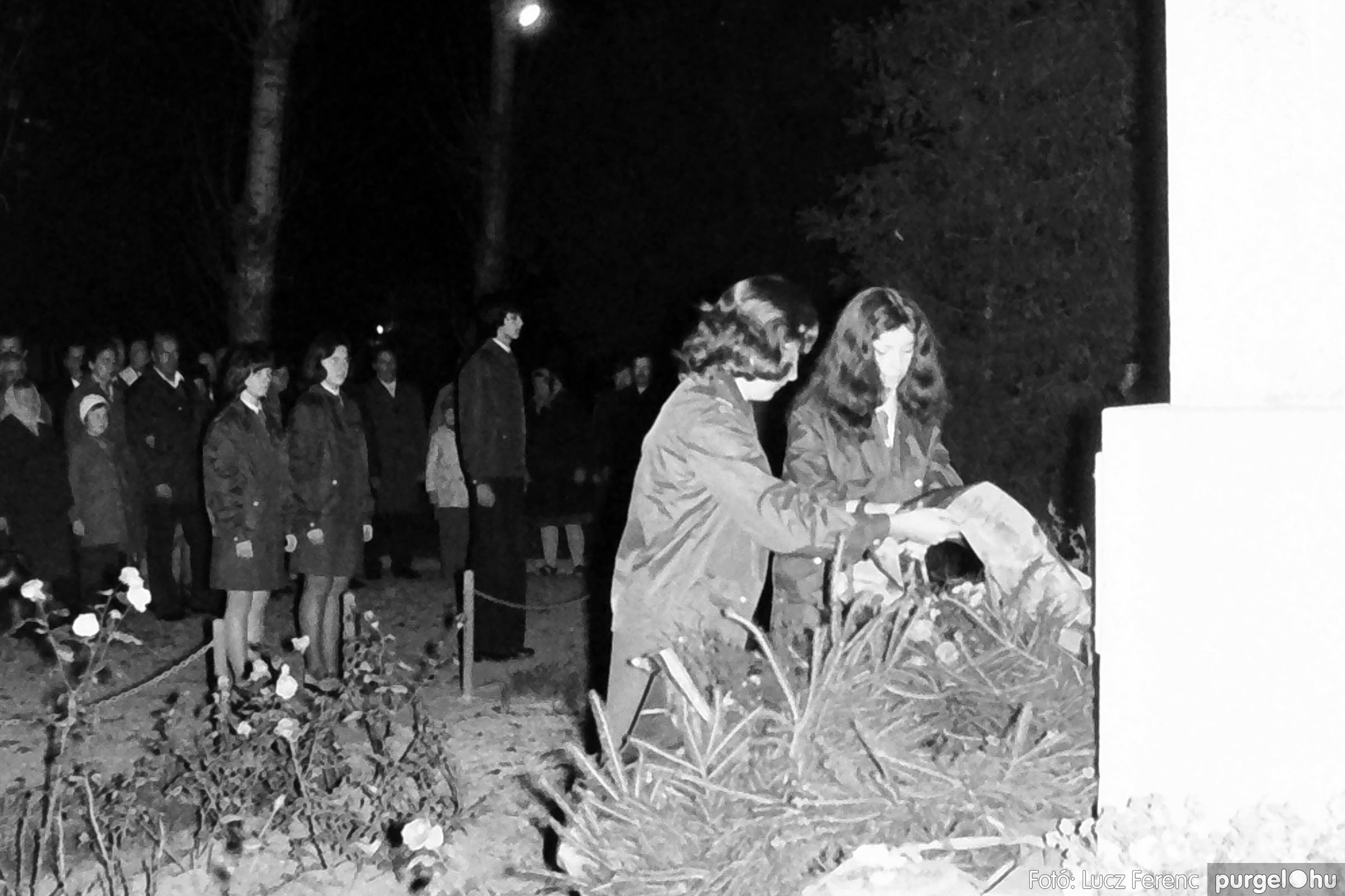 1975.11.07. 009 26. negatív - November 7-i ünnepség - Fotó: Lucz Ferenc - IMG00010q.jpg