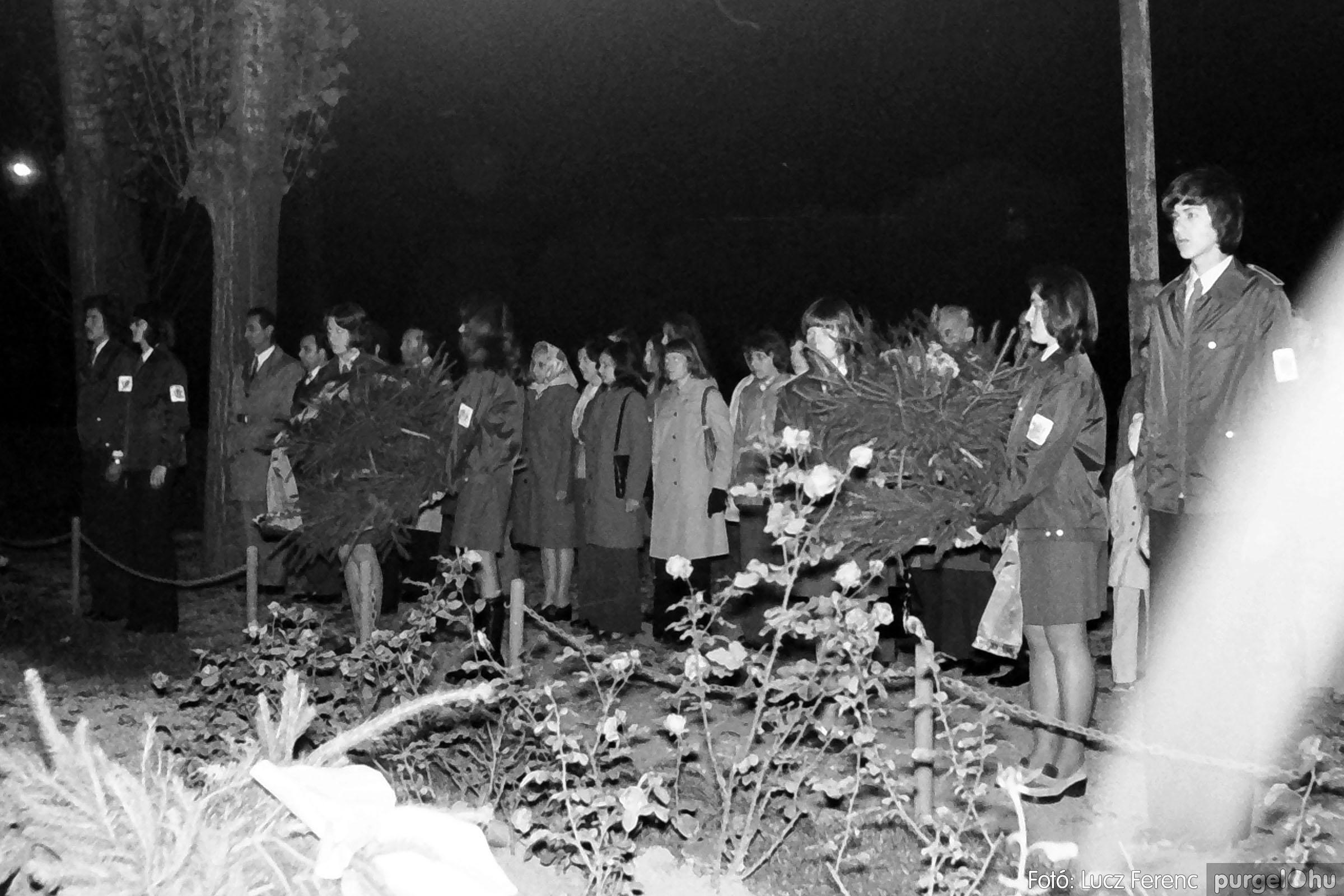 1975.11.07. 008 26. negatív - November 7-i ünnepség - Fotó: Lucz Ferenc - IMG00009q.jpg