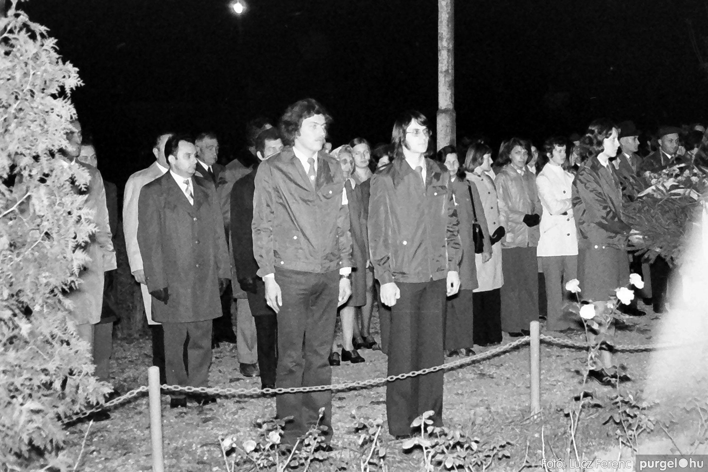 1975.11.07. 007 26. negatív - November 7-i ünnepség - Fotó: Lucz Ferenc - IMG00008q.jpg