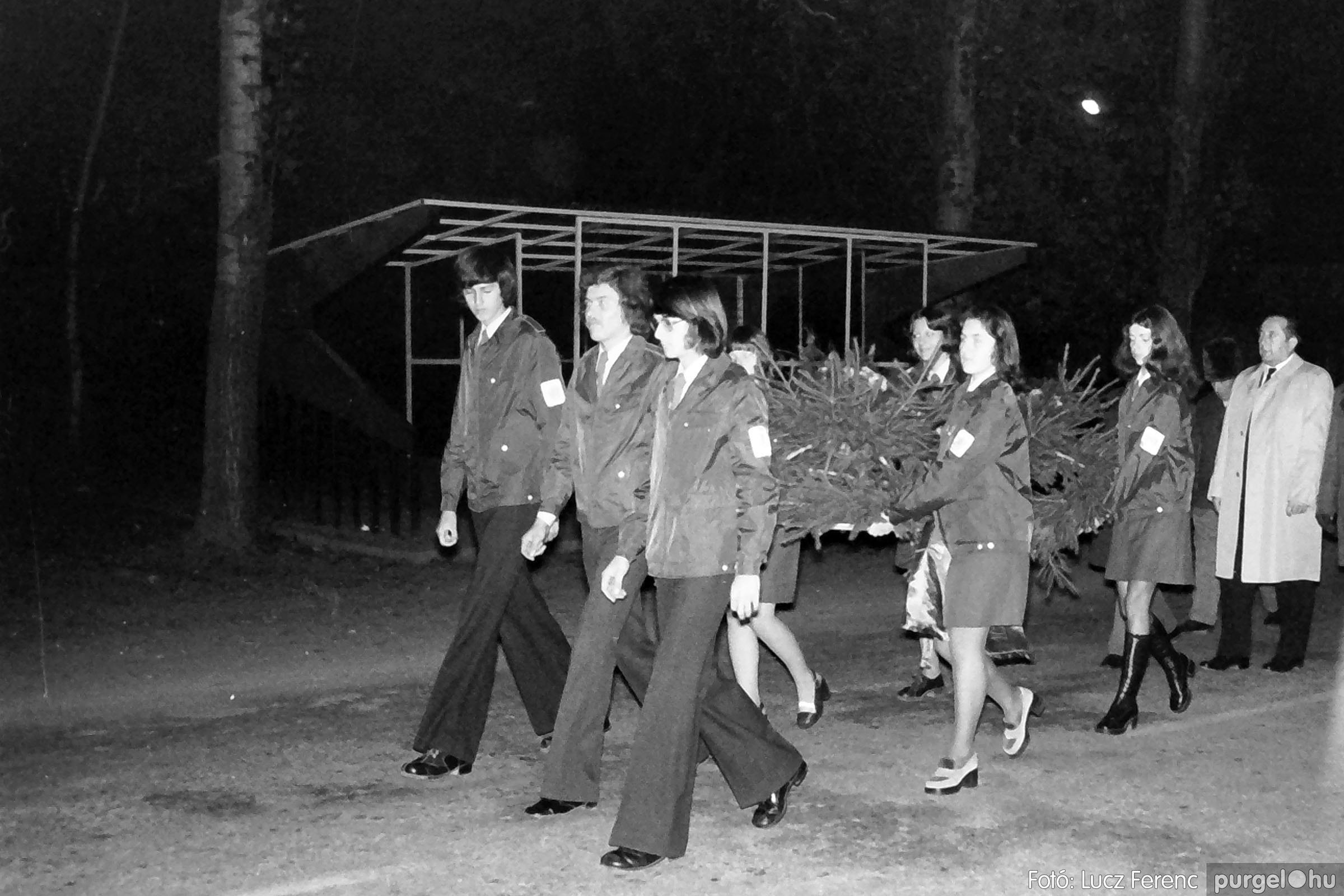 1975.11.07. 004 26. negatív - November 7-i ünnepség - Fotó: Lucz Ferenc - IMG00005q.jpg
