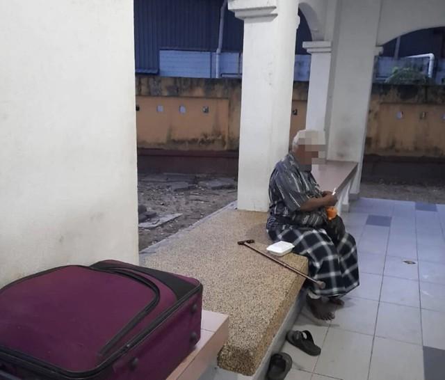 Ahli Keluarga Tinggalkan Warga Emas Di Surau Lepas Ajak Keluar Solat Jemaah