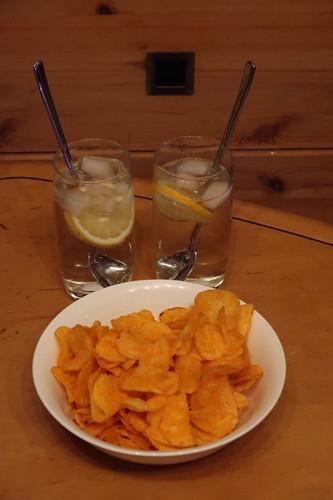 Gin & Tonic zu Paprikachips