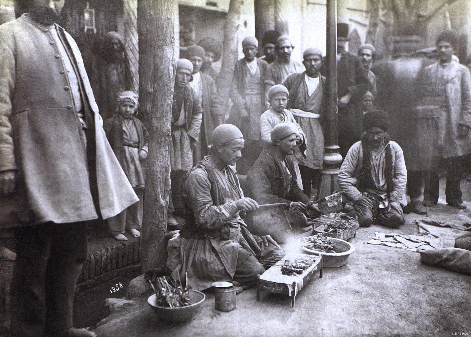 Продавцы кебабов