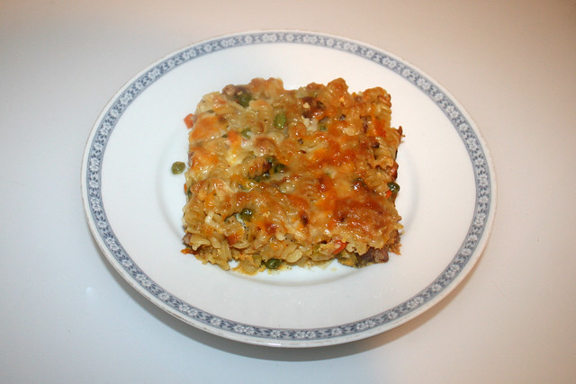 Pasta bake with bacon & vegetables - Leftovers II / Nudelauflauf mit Speck & Gemüse - Resteverbrauch II