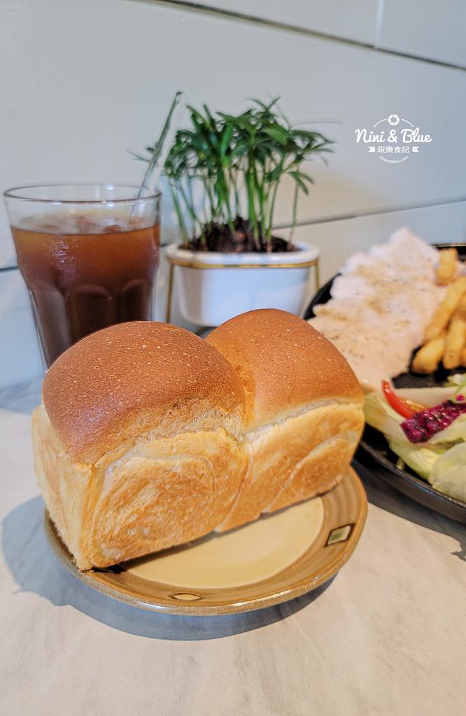 CONNECT咖啡  早午餐 台中新光三越06