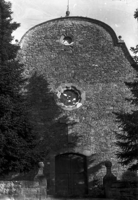 La façana de Sant Pere / Perafita church