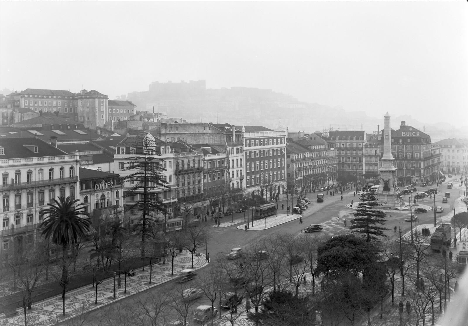Avenida, Lisboa (M. Novaes, 1947)