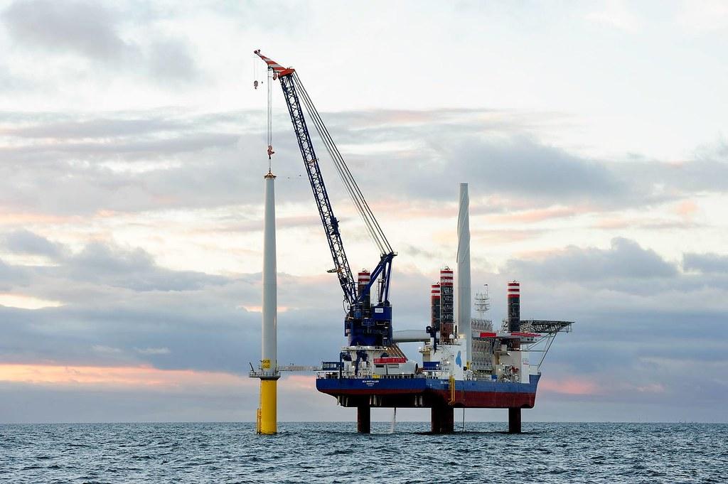 離岸風場實際風機安裝工程。照片來源:Ørsted 沃旭能源