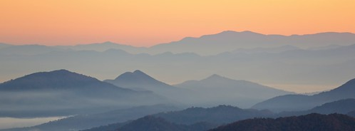 amati alanamati america american usa us north carolina northcarolina smokymountains beartrail ridge gap mountains blue parkway blueridge dawn earlymorning earlylight early glow overlook landscape pano panoramic topf25