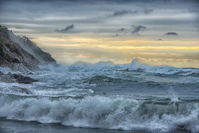 The power of the sea enchants ...
