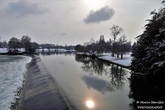 Slighty snow on winter afternoon on river Korana... - Karlovac, Croatia