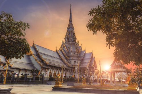 historical palaces and temples in Thailand