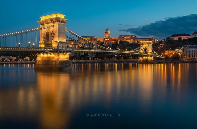 The Szechenyi Chain Bridge and Royal Palace (Budapest)