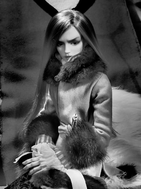 LCT, Russian Affair (Migidoll Yujin vampire) 10/02 bas p1 50926376583_9cb7255095_c