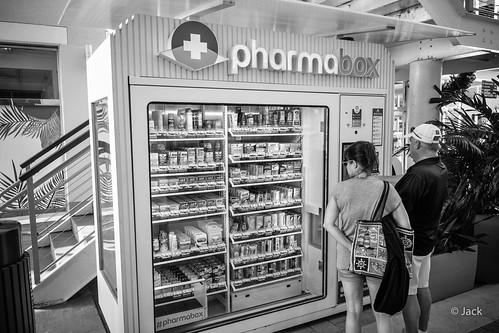 Miami mood - drugstore