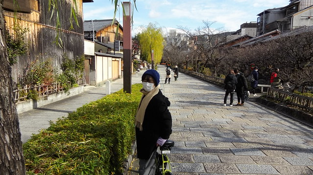 20210103_121837927_BURST000_COVER_HB4116_motoZ2play_Gion_Kyoto_JP