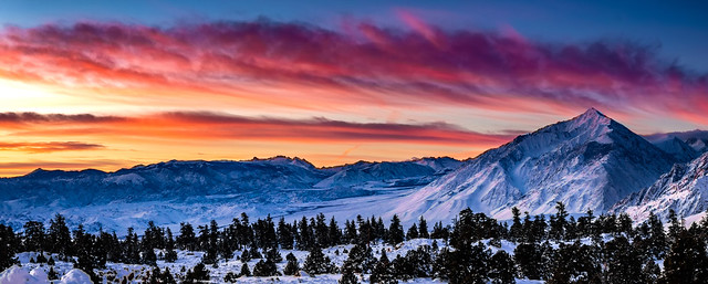 Sunrise Panorama of Mt Tom & The Eastern Sierra. Payahuunadü