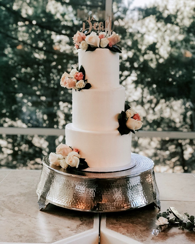 Cake by Gold Ribbon Confections