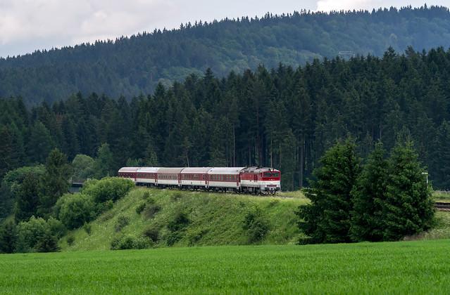 Slovak Railways: R952 Rozsutec train